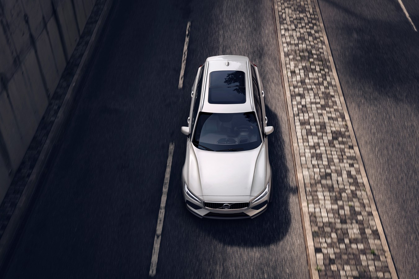 V60 Cross Country добрался до дилеров Volvo Cars